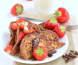 Wentelteefjes met aardbeien en chocola